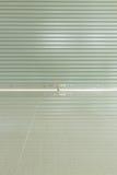 Sportello e pavimentazione in piastrelle d'acciaio di alluminio del rullo Immagine Stock Libera da Diritti