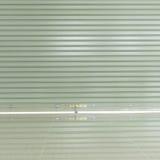 Sportello e pavimentazione in piastrelle d'acciaio di alluminio del rullo Fotografia Stock