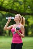 Sporten en hydratie Stock Afbeelding