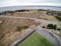 Sportenstadion met kunstmatige gras luchtmening, hommelmening Royalty-vrije Stock Foto's