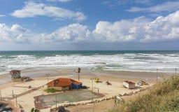 Sportenstrand op het Middellandse-Zeegebied in Netanya in Israël royalty-vrije stock foto