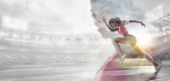 Sporthintergründe Heroisches Radfahrerporträt stockbild