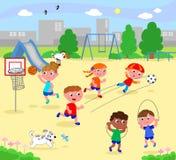 Sportieve kinderen bij het park Stock Foto's