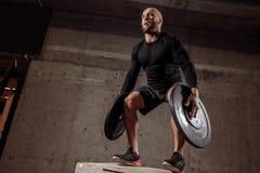 Sportieve sterke mens met groot talent royalty-vrije stock foto's