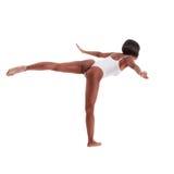 Sportig kvinna i vit en styckbaddräktbody Fotografering för Bildbyråer