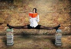 Sportig student på balansera Fotografering för Bildbyråer