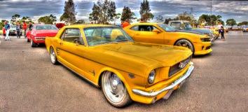 Sportiga gula Ford Mustang Royaltyfria Foton