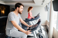 People cardio exercising in gym Royalty Free Stock Photography