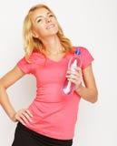 Sportliche Frau mit Wasserflasche Lizenzfreies Stockbild