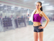 Sportliches Mädchen am Fitness-Club Stockfoto