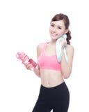 Sportmädchen mit Wasser Lizenzfreie Stockfotos