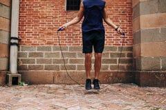 Sportman di salto Fotografie Stock Libere da Diritti