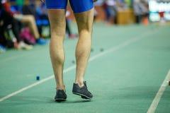 Sportman die klaar in de vérspringenconcurrentie worden Stock Afbeelding