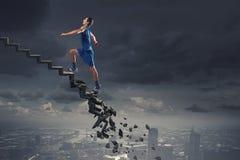Sportman die uitdagingen overwinnen royalty-vrije stock fotografie