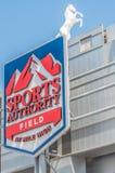 Sportmyndighetsfält på den höga mil Arkivfoton