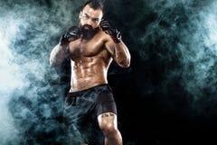 Sportowa boksera bój na czarnym tle kosmos kopii Bokserski sporta pojęcie zdjęcie stock