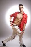 sportowego ciała mody mężczyzna wzorcowi target1007_0_ potomstwa Zdjęcia Royalty Free