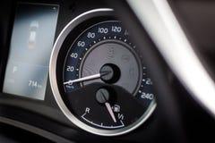 Sportowego samochodu szybkościomierz i paliwowy wskaźnik Fotografia Royalty Free