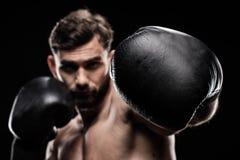 Sportowiec w bokserskich rękawiczkach Obrazy Royalty Free