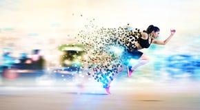 Sportowy kobieta postu biegacz obraz stock