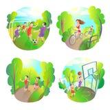 Sports en plein air Le football, fonctionnement, basket-ball et recyclage Forme physique active de la vie Photos stock