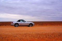 sportscar的沙漠 免版税库存图片