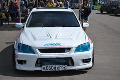 SportsCar Alteza rywalizacje na nastrajających samochodach w dryfie rds Zdjęcie Stock