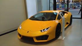 Sportscar amarillo Imagenes de archivo
