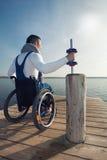 Sportslig rörelsehindrad man Arkivbild