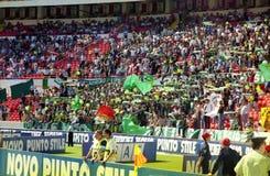 Sportsliga Lissabon fans Fotografering för Bildbyråer