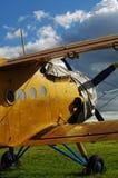 Sportsligt biplanflygplan 3 Arkivbilder