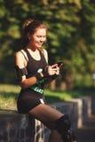 Sportsligt utseende för härlig ung flicka Arkivbilder