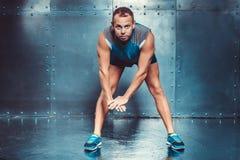 sportsmen forma fisica maschio adatta di concetto dell'uomo dell'istruttore Fotografia Stock