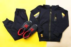 Sportswear e sapatilhas foto de stock