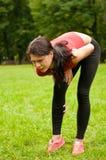sportswoman боли ушиба икры Стоковое фото RF
