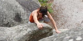 Sportswomen who practice climbimg Royalty Free Stock Photos