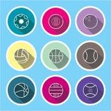 sportsymbolsuppsättning på blåa långa skuggor stock illustrationer