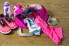 Sporttasche der Frauen mit Material nach innen Lizenzfreie Stockfotografie