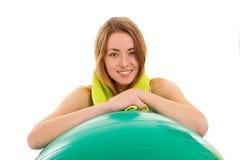 Sportvrouw met bal Stock Foto's