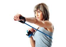 Sportvrouw met weerstandsband Royalty-vrije Stock Afbeeldingen