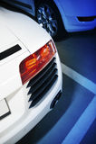 Sportwagen in undergraoundparkeren Royalty-vrije Stock Fotografie