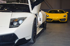 Sportwagens bij motorshow Royalty-vrije Stock Foto's