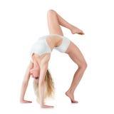 Sporty делать маленькой девочки гимнастический Стоковое фото RF