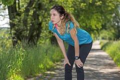 Sporty женщина outdoors Стоковая Фотография RF