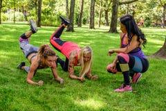 3 sporty женщины стоковая фотография rf