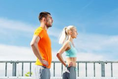 Sporty пары outdoors Стоковое Изображение