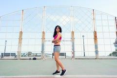 Sporty успешная женщина стоковые изображения rf