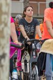 Sporty i zdrowie dzień outdoors w Costa Brava w grodzkim Palamos Przędzalniana klasa 07 04 2018 grodzkich Palamos w Hiszpania Zdjęcie Royalty Free