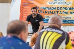 Sporty i zdrowie dzień outdoors w Costa Brava w grodzkim Palamos Przędzalniana klasa 07 04 2018 grodzkich Palamos w Hiszpania Fotografia Royalty Free