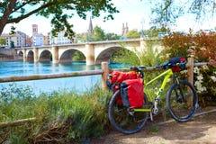 Sposób święty James w Logrono mosta Ebro rzece Fotografia Stock